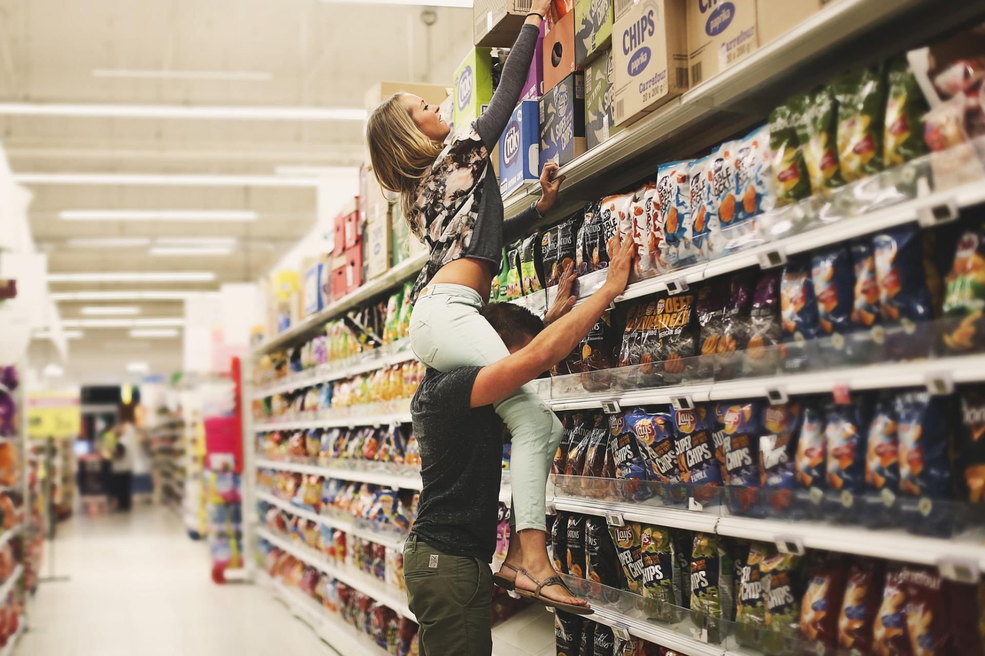 Shopper-SX-shelf-onshoulders